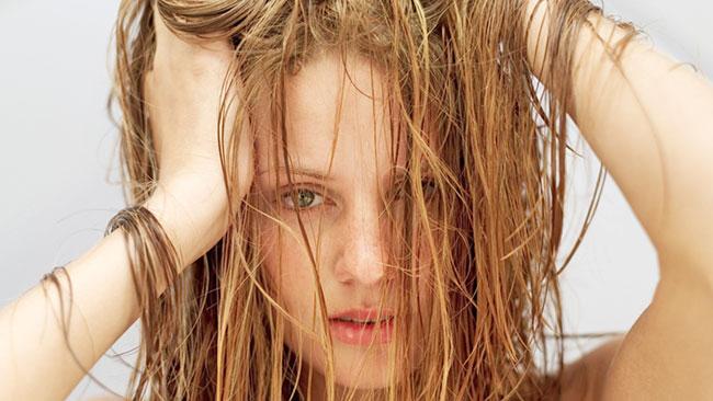 evitar el cabello graso