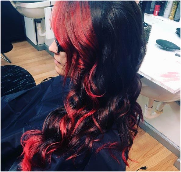 en tonos rojos y colorados