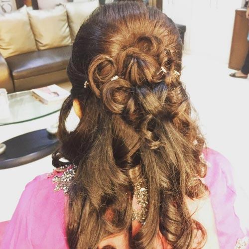 peinado-con-flores-y-ondas