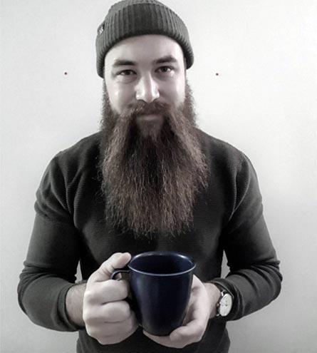 cada cuantos días lavar la barba