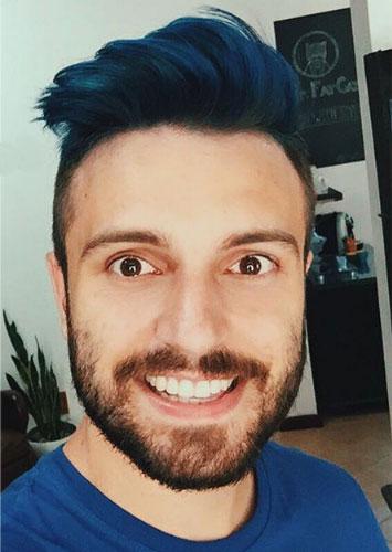 teñir el pelo de color azul