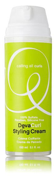 para evitar el frizz al peinar el pelo