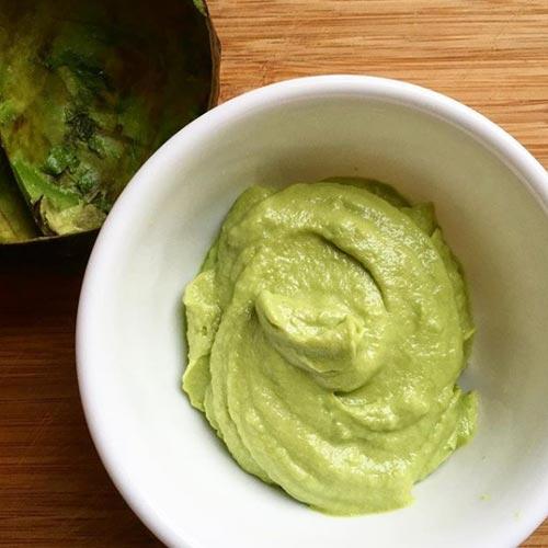 con aguacate y aceite de oliva