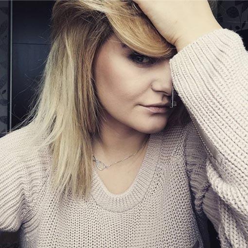 retiran los pigmentos de color del pelo