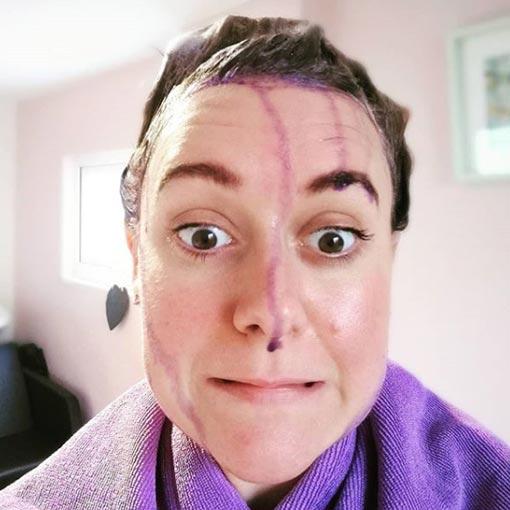 pintar el pelo de violeta