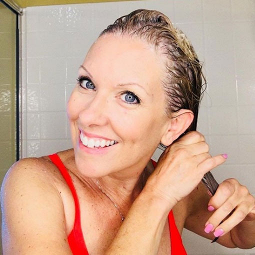 con shampoo sin sal dove