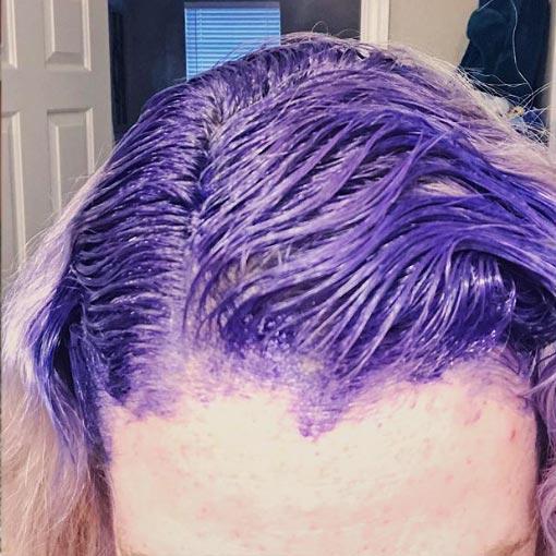 Color de pelo azul y violeta