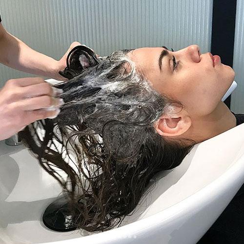 shampoo clarificante para eliminar residuos