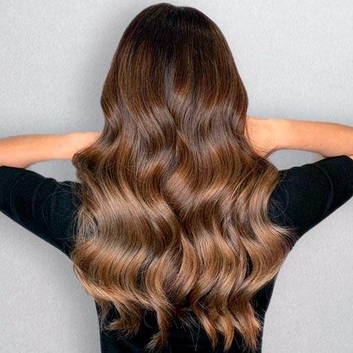 pelo largo y ondas