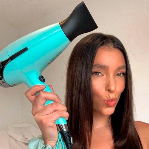 heat dehydrates hair