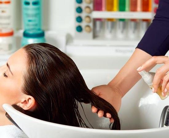 lavando el pelo