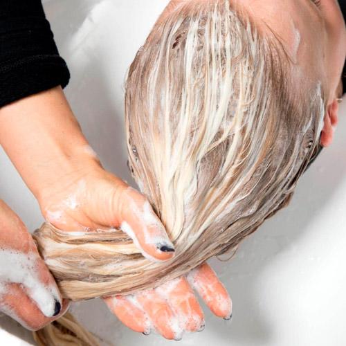 con shampoo clarificante