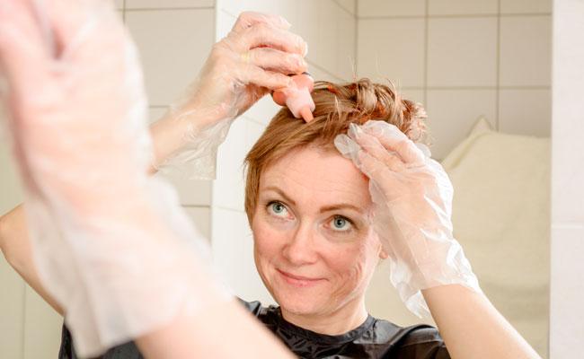 teñir el pelo de caramelo despues de decolorar