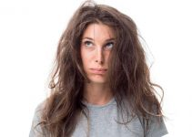 pelo seco, con frizz, y quemado
